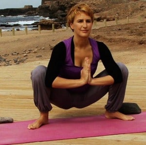 yoga poses for after travel  the travel yogi